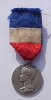 Médaille Du Travail En Argent - Mme Vve FRANCON 1898 - Bon état. - Unclassified
