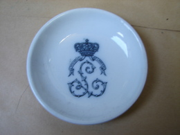Lot. 877. Petite Coupelle Ou Assiette En Porcelaine. 4ème Régiment De Lanciers - Other
