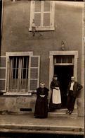 """Ancienne Carte Photo Originale Buraliste - Tabac Et Sa Carotte  Avec Publicité émaillée """" Le Petit Journal """" Vers 1900 - Professions"""