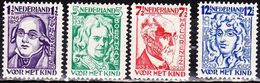 1928 Kinderzegels Ongestempelde Serie NVPH 220 / 223 - Periode 1891-1948 (Wilhelmina)