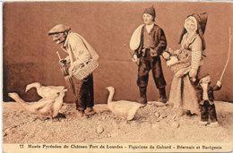 LOURDES - Musée Pyrénéen - Figurines De Gabard - Béarnais Et Barégeois - Oies     (104403) - Lourdes