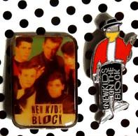 Lot De 2 Pin's New Kids On The Block Dont 1 émaillé Officiel Columbia - Music