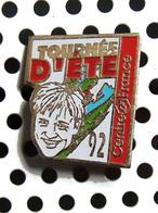 1 Pin's C. JEROME Pour La Tournée D'été 1992 De Centre France (La Montagne ... ) - Musique