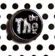1 Beau Pin's Du Groupe Anglais THE THE - Music