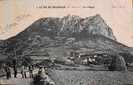 CPA - FRANCE - Aude > Le Pic De Bugarach, Surplombant Le Petit Village Audois - Daté 5 Novembre 1904 - TBE - Other Municipalities