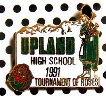 1 Beau Pin's Officiel émaillé Doré Du Concours Des Roses UPLAND 1991 - Cornemuse Bigpipe écosse - Musik