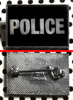 Badge (pas Pin's) Du Groupe POLICE Fabrication Anglaise Clubman - Music