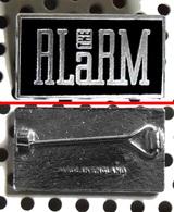 Badge (pas Pin's) Du Groupe THE ALARM Fabrication Anglaise émaillé Chromé - Music
