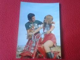 PRECIOSA POSTAL POSTCARD POST CARD PAREJA NOVIOS HOMBRE Y MUJER EN MOTO MOTOCICLETA MONTESA ?.CERBER. CARTE POSTALE VER - Parejas