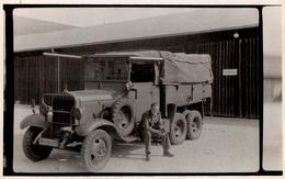Photo Originale Guerre 1939-45 - III Reich & Camion Militaire Mercedes  Avec Benne En Bois à 10 Roues - Guerre, Militaire