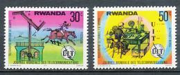 RWANDA (1977) : Telecom, Journée Mondiale Des Télécommunications, Télégraphe De Chappe Et De Samuel FB. Morse, 2 Valeurs - Telecom