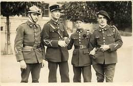 - Militaires Militaria -ref D695- Carte Photo - Treves - Trier -allemagne -rhenanie Palatina -regiments - Germany - Régiments