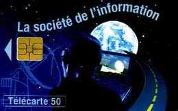 Télécarte 50 : La Société De L'information Au Musée Des Télécommunications De Pleumeur Bodou (22) - Téléphones