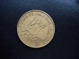 ÉTATS DE L'AFRIQUE CENTRALE : 10 FRANCS  1975   KM 9   TTB - Monnaies