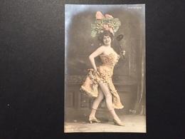 Carte Fantaisie Femme Parisiana Yrven - Femmes