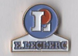 Lot 6 Pin's - 2 Logo Magasin Leclerc - Intermarché - 20 Ans Metro - 2 Champion On S'engage à Fond - Markennamen