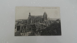 Cp Gisor  La Cathédrale , Vue Du Chateau - Gisors