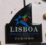PIN * Lisboa * Turismo - Pin's & Anstecknadeln