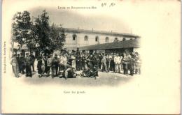 17 ROCHEFORT - Le Lycée - La Cour Des Grands - Rochefort