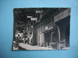PHOTOGRAPHIE  - LUCHON  -  31  -  La Rue Lamartine  - 1964  -  8,7  X 11,7  Cms  -   Haute Garonne - Luchon