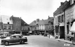 28-ILLIERS- PLACE DE L'EGLISE - Illiers-Combray