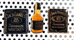 Lot De 3 Pin's Boissons Alcoolisées : Bourbon Whiskey - Jack Daniel's - Beverages