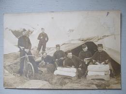 SOLDATS EN BIVOUAC / CARTE PHOTO 1907 / LEZE? - Uniformi