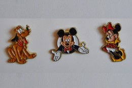 Série 3 Pin's Euro Disney - Esso Par Arthus Bertrand: Mickey - Minnie Et Pluto - Disney