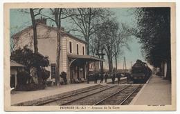 CPA - PEYRUIS (Basses Alpes) - Avenue De La Gare (Intérieur De La Gare, Avec Train) - France