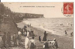 14 0 919 - ARROMANCHES - La Petite Cale à L'heure Du Bain - Arromanches