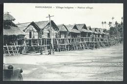 +++ CPA - Océanie - Papouasie - Nouvelle Guinée - HANUABADA - Village Indigène   // - Papouasie-Nouvelle-Guinée