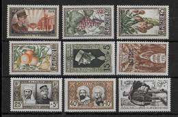 ALGERIE - ANNEE 1950+1951 COMPLETES ** - SANS CHARNIERE - COTE = 43.7 EUR. - Algérie (1924-1962)