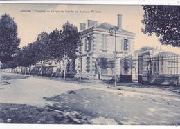 85. LUCON. CPA . CORPS DE GARDE ET AVENUE WILSON - Lucon