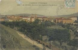LA LOUVESC . BOULEVARD DES ELEGANTS ET VUE GENERALE . AFFR A-CHEVAL RECTO/VERSO DU 1-8-1907 . 2 Scanes - La Louvesc