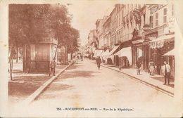 Rochefort-sur-Mer - Rue De La République En 1945 - Carte Sépia N° 755 - Rochefort
