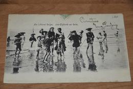 1036- Au Littoral Belge, Les Enfants Au Bain - Oostende