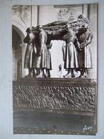 PARIS / TOMBEAU DU MARECHAL FOCH  / EGLISE SAINT LOUIS DES INVALIDES / BELLE CARTE PHOTO - Monuments Aux Morts