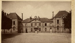 76 ETRETAT - La Mairie - LL N° 72 - Etretat