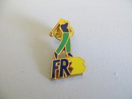 Pin's Golf  FR3 - Golf