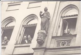 PHOTO  à Identifiée--( église, Roi D'espagne ? Ou Autres )----voir 2 Scans - Photographs