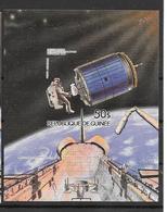Guinée Bloc Réparation Satellite Non Dentelé/imperf/ND Espace ** - Space