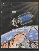 Guinée Bloc Réparation Satellite Espace ** - Space