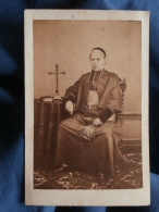 Photo CDV Berubet à Clermont Ferrand - Second Empire, Religion, Prêtre, Curé, Circa 1865 L330 - Photos