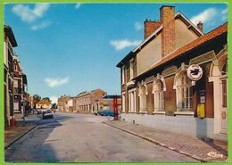 VILLERS-BRETONNEUX - La Poste Rue Arsène-Obry Opel Manta A SR Citroen AMI 8 Renault R14 R5 Autos - Villers Bretonneux