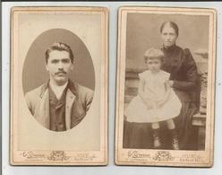 2 PHOTOS ANCIENNES CARTONNEES PHOTOGRAPHIE E. TURNER 26, RUE NEUVE HUY 65X105 (SCAN VERSO) - Personnes Anonymes