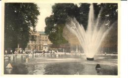 Bruxelles - CP - Le Jet D'eau Au Parc Et Le Parlement - Bossen, Parken, Tuinen