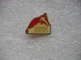 Pin's Du Centre Equestre La Sabotière à Villey Le Sec (Dépt 54) - Badges