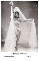 NANCY KOVACK - Film Star Pin Up PHOTO POSTCARD - P782-2 Swiftsure Postcard - Artiesten
