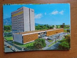 """El Salvador / Hospital Pars Ninos """"Benjamin Bloom"""" --> Unwritten - El Salvador"""
