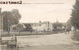 RARE CPA : VAUCHASSIS LE BUREAU DE POSTE ET LA ROUTE DE BERCENAY ANIMEE 10 AUBE - Unclassified